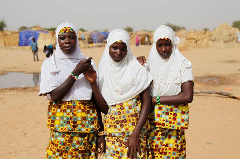 Jeunes filles de Diffa, dans le sud-est du Niger, région meurtrie par les exactions de la secte islamiste Boko Haram, en juin 2016.