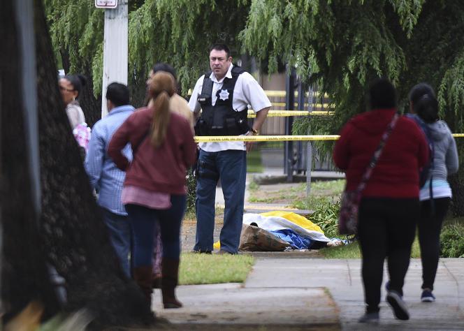 A Fresno, en Californie, sur l'un des lieux de la fusillade, le 18avril 2017.