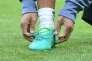 Le défenseur de l'équipe du Real Madrid Marcelo rattache un lacet lors d'un entraînement à Munich le 11 avril.