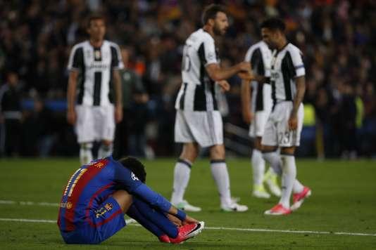 Le dépit de Neymar après l'élimination du FC Barcelone.