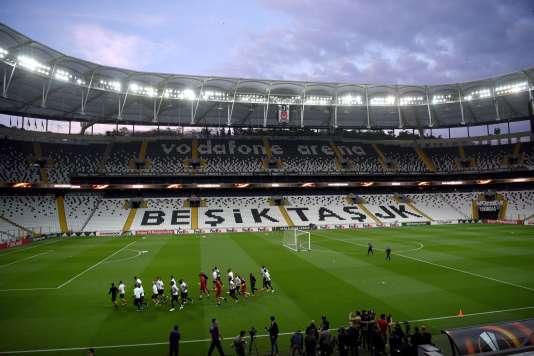 Les Lyonnais disputent un quart de finale retour de Ligue Europa jeudi à Istanbul.