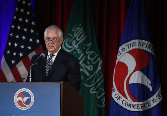 « Si l'on n'y prend pas garde, l'Iran peut potentiellement emprunter le même chemin que la Corée du Nord et emmener le monde entier avec lui », a dit Rex Tillerson.