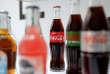 Des bouteilles de Coca-Cola lors d'une conférence de presse, àParis, le 20 avril 2017.