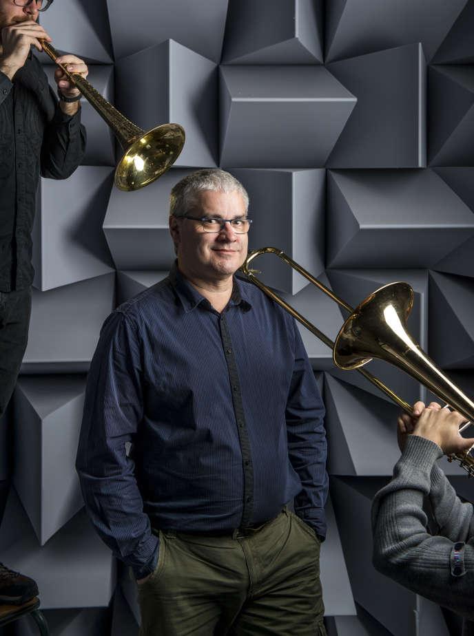 Joël Gilbert, dans la chambre sourde du laboratoire d'acoustique du Mans,le 24 mars.Cyril Chigot/Divergence pour «Le Monde»
