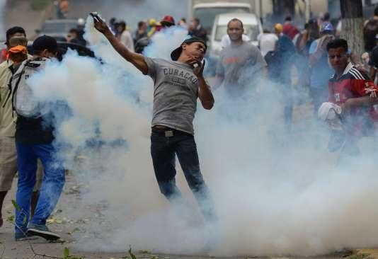 Manifestation à Caracas le 20 avril.
