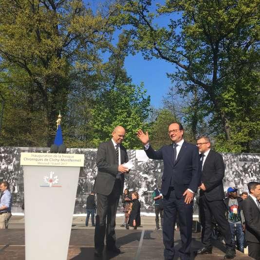 François Hollande lors de l'inauguration officielle de la fresquesignée JR et Ladj Ly à Montfermeil, le 19 avril 2017.