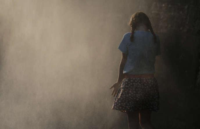 Les résultats, publiés par « 60 millions de consommateurs», montrent que des polluants ont été détectés dans les cheveux de tous les jeunes participants : 23 à 54 molécules ont été retrouvées selon les enfants (34 en moyenne).