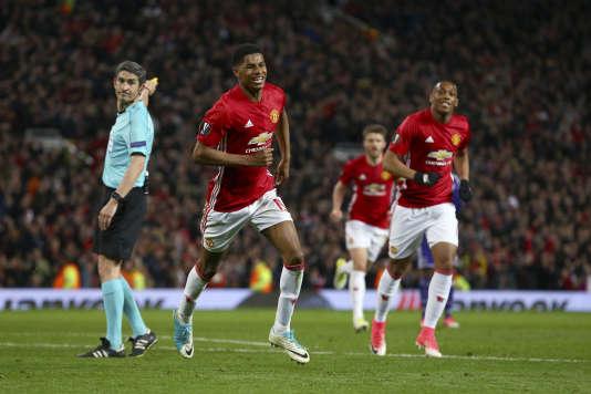 Le Mancunien Marcus Rashford célèbre son but lors de la rencontre entreManchester United etAnderlecht, en quart de finale retour de la Ligue Europa, à Old Trafford, le20avril.
