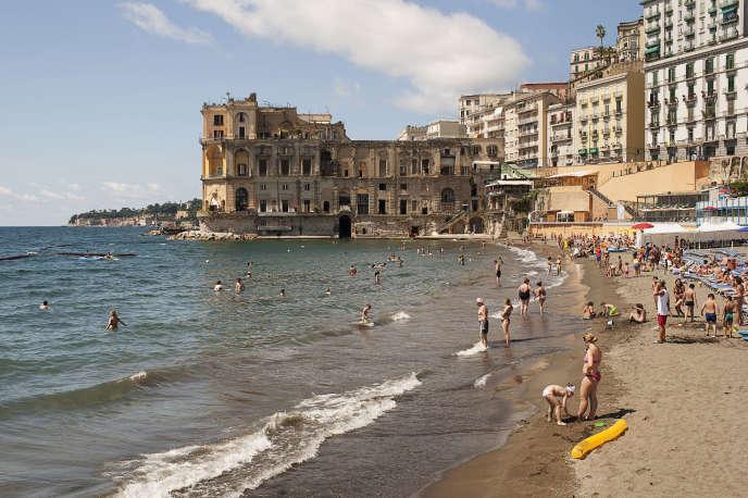 La plage de Bagno Elena, à Naples.