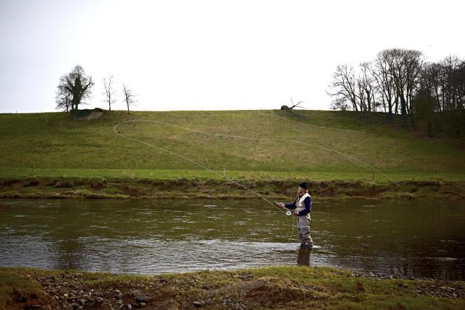 Au domaine de Ballyvolane House, on pêche à la mouche dans la rivière Blackwater.