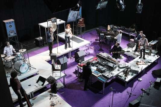 « La Face cachée de la lune», spectacle de Thierry Balasse et de la compagnie Inouïe au Théâtre de La Cité internationale, le 17 décembre 2012.
