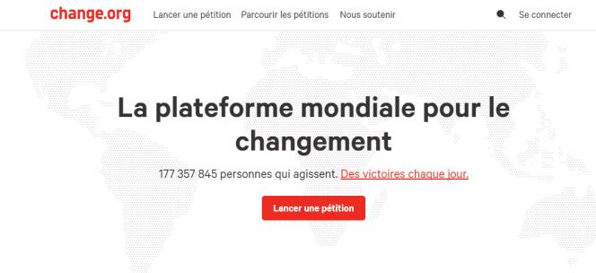 « Signer une pétition en ligne pour la levée de l'immunité parlementaire de Marine Le Pen (sur Change.org), c'est déjà utiliser les civic tech. (Photo : capture d'écran du site change.org).