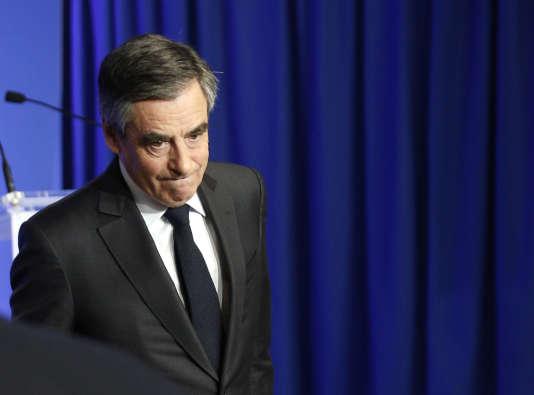 Le 24mars, lors de l'émission politique sur France2, François Fillon a assuré qu'il avait rendus les costumes à son généreux ami.