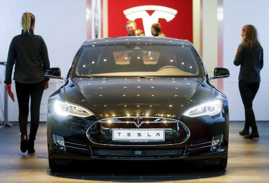 La Tesla Model S se vend presque deux fois plus que la Classe S de Mercedes.