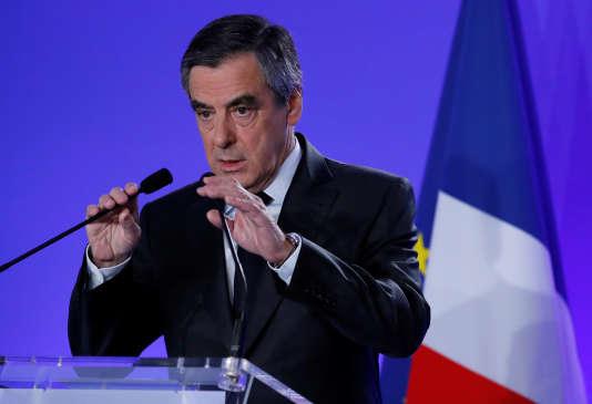 François Fillon, lors d'une conférence de presse le 21 avril 2017.
