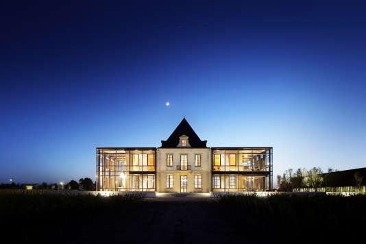 La rénovation du château Pédesclaux, grand cru classé Pauillac, et son chai ont été confiés à l'architecte Jean-Michel Wilmotte.