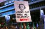 Des participants à la Marche pour les sciences à Sydney (Australie) le 22 avril 2017 : « Les coupes des subventions scientifiques nous mettent en colère».