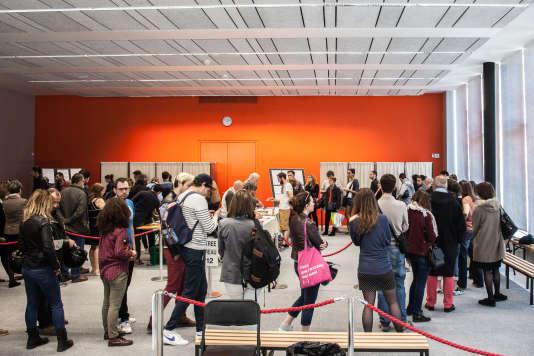 Bureaux de vote à la Cité internationale à Rennes, le 23 avril.