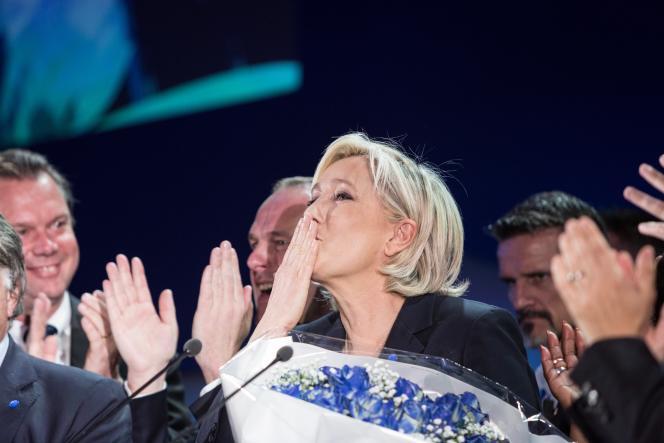 Au QG de Marine Le Pen, à Hénin-Beaumont (Pas-de-Calais), le 23avril.