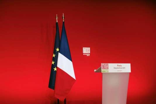 Avant une allocution de Benoît Hamon à la Mutualité à Paris, le 23 avril 2017.