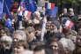Des drapeaux européens et français ont été brandis à Berlin, le 23 avril, lors d'une manifestation pro-Union européenne.