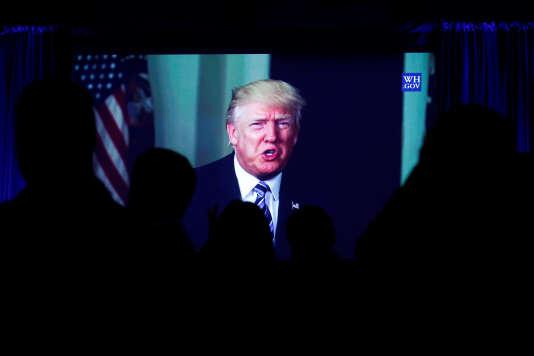 Donald Trump s'est concentré sur sa politique intérieure et n'a pas commenté les résultats du premier tour de l'élection présidentielle française.
