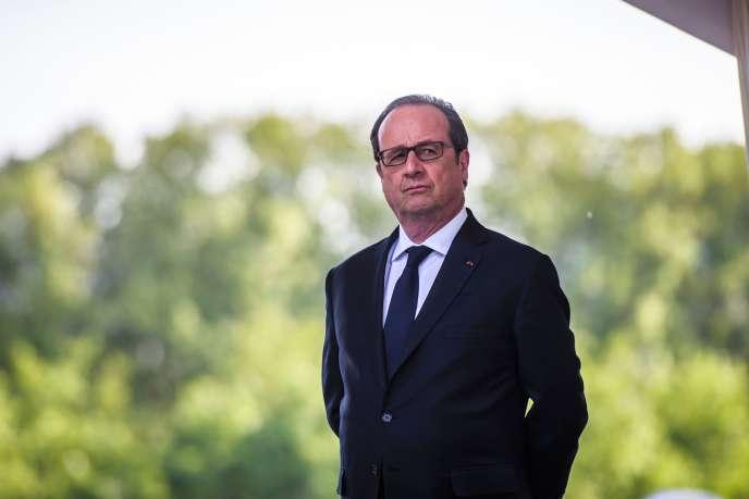 François Hollande, à Paris, le 24 avril.