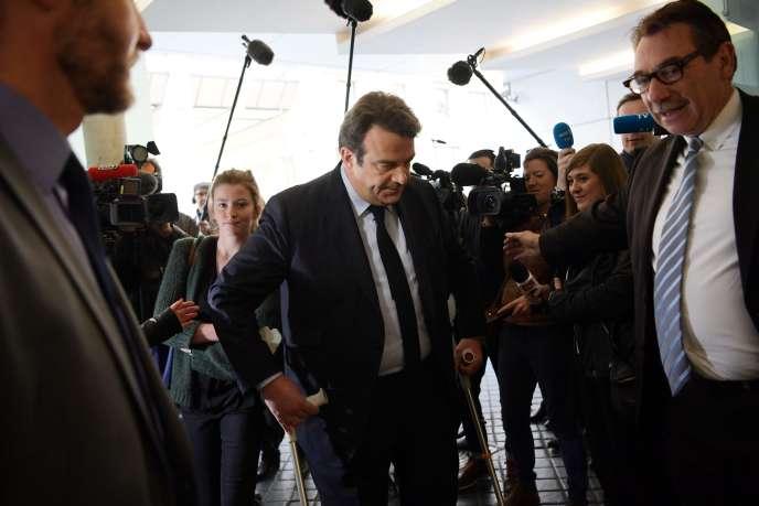 Thierry Solère estime que le positionnement de François Fillon pendant sa campagne complique l'appel au vote Macron pour faire barrage au FN.