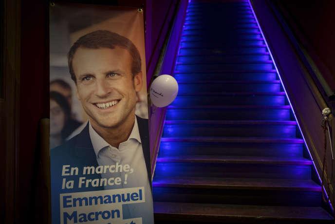 Dans le bar Le JGO, QG des militants du mouvement En marche ! d'Emmanuel Macron à Toulouse, le 23 avril.
