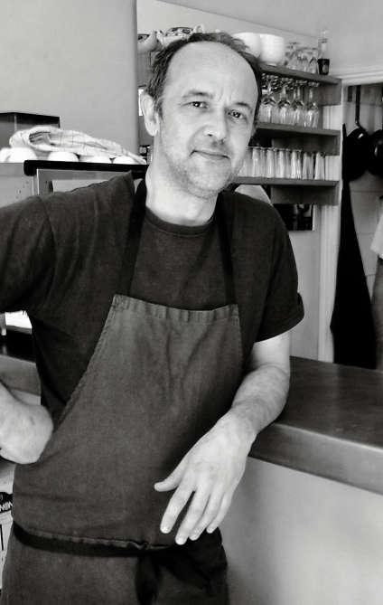 Jean-Marc Sinceux, ancien juriste, a ouvert un minuscule restaurant.