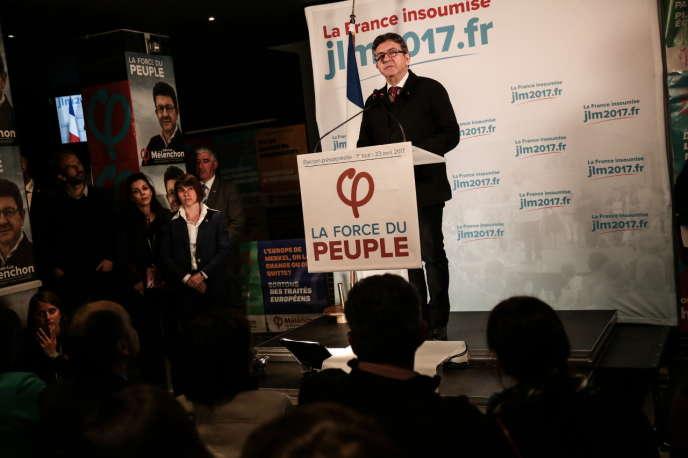 Discours de Jean-Luc Mélenchon après les résultats du premier tour de l'élection présidentielle à Paris le 23 avril.