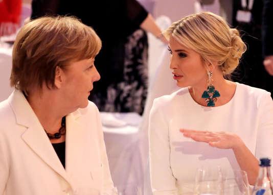 Ivanka Trump, fille et conseillère de son père, avec la chancelière allemande Angela Merkel à Berlin le 25 avril.