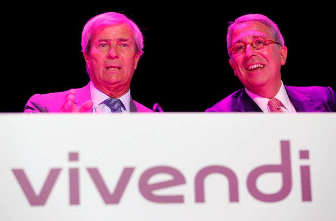 Vincent Bollore et Arnaud de Puyfontaine lors de l'assemblée générale de Vivendi, mardi 25 avril à Paris.