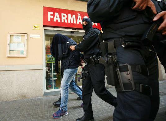 L'opération visait « un présumé groupe djihadiste avec des connexions internationales», a déclaré Jordi Jané, chargé de la sécurité au gouvernement régional de Catalogne
