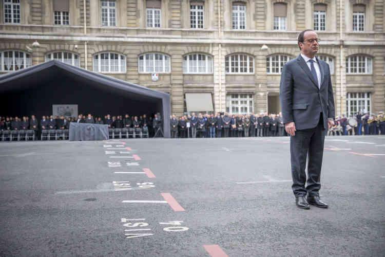 François Hollande a aussi appelé ceux «qui auront à décider pour demain», notamment depuis l'Elysée, d'accorder «les ressources budgétaires nécessaires pour recruter les personnels indispensables à la protection de nos concitoyens».
