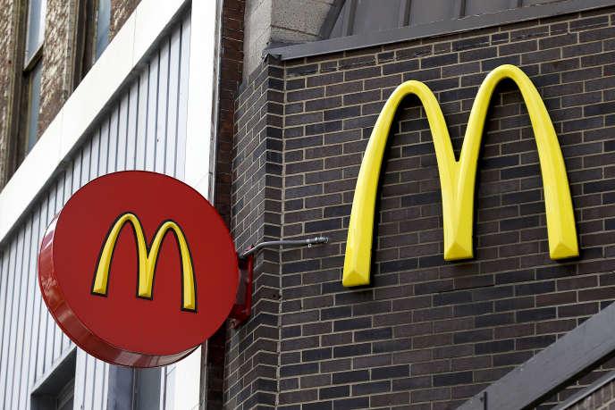 Enseigne d'un restaurant McDonald's à Pittsburgh, aux Etats-Unis, le 24 avril 2017.