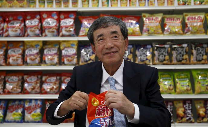 Akira Matsumoto, le PDG de Calbee, qui détient 73 % du marché des chips au Japon, au siège de son entreprise, à Tokyo, 15janvier2016.