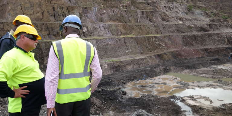 Philippe Izabelle et des experts miniers sud-africains de Scorpio Mining, mandatés par la Gécamines pour moderniser l'entreprise.