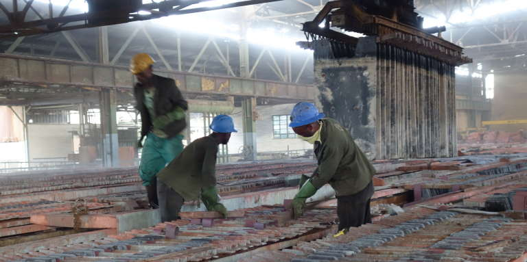 Dans l'usine de Shituru, à Likasi, dans le Haut-Katanga.