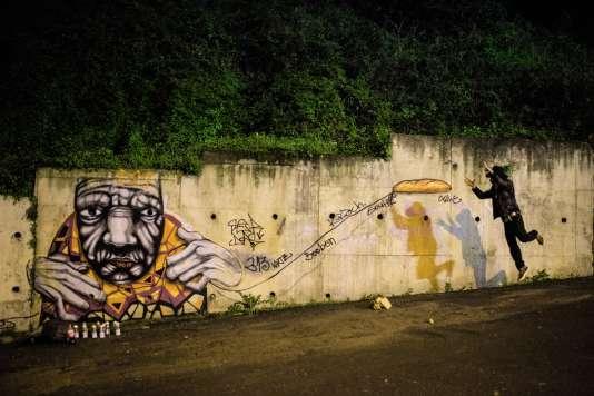 Une fresque du graffeur Serdas, représentation caustique du pouvoir.