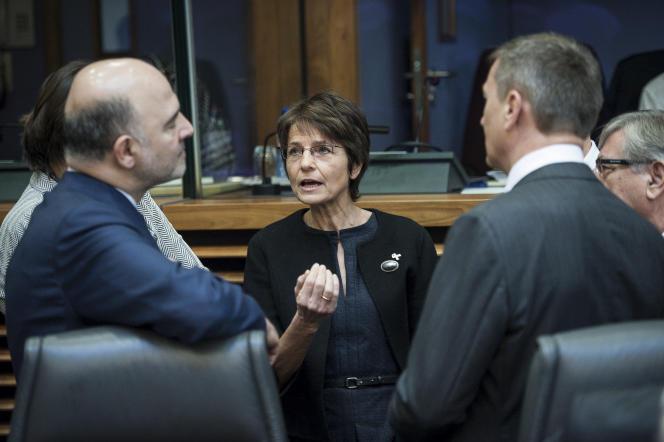 Les commissaires européens Pierre Moscovici (affaires économiques) et Marianne Thyssen (affaires sociales), à la Commission européenne, à Bruxelles, en 2015.