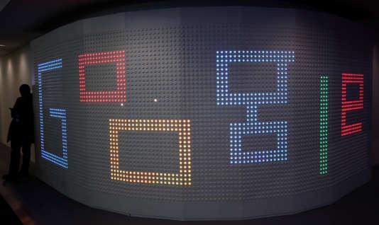 Le stand Google au Mobile World Congress de Barcelone le 1er mars.