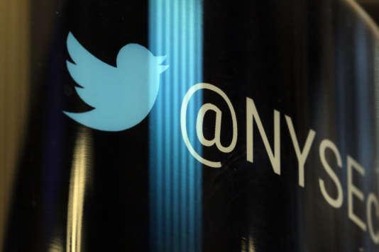 Le logo de Twitter à la Bourse de New York, en 2016.