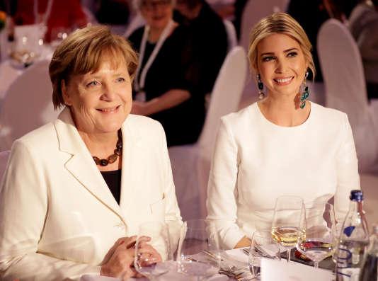 Angela Merkel, la chancelière allemande, avec Ivanka Trump, la fille de Donald Trump, à Berlin, le 25 avril.