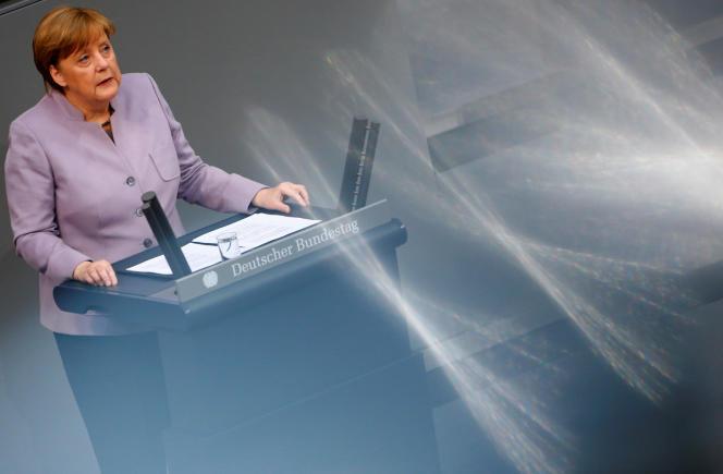 La chancelière allemande Angela Merkel s'est adressée au parlement à Berlin, le jeudi 27 avril.