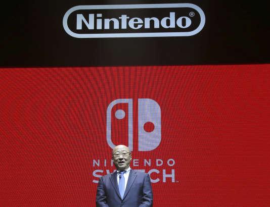 Tatsumi Kimishima en janvier, lors de l'annonce des détails de la sortie de la Switch.
