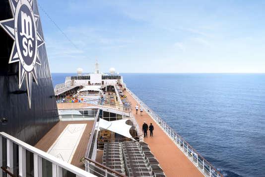 Le MSC «Armonia», immense paquebot avec piscine, restaurants, casino...