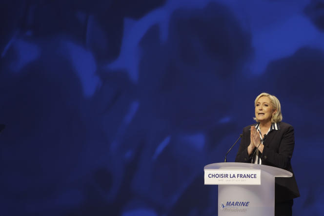 Marine Le Pen en meeting, à Nice, le 27 avril.