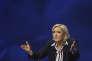 Pour les juges d'instruction, « il est indispensable de recueillir les déclarations de Mme Le Pen tant sur les fonds perçus au titre des contrats de ses deux assistants parlementaires (...), que sur l'ensemble des fonds européens perçus par le parti qu'elle dirige au titre d'assistants parlementaires susceptibles d'avoir en réalité travaillé pour le FN ».