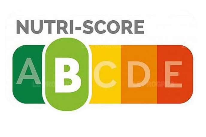 Le Nutri-Score propose une échelle de couleurs en fonction de quatre paramètres: l'apport calorique pour 100grammes, la teneur en sucre, en graisses saturées et en sel.